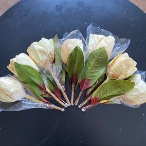 BNWOT 7 silk floral magnolia buds from Michaels